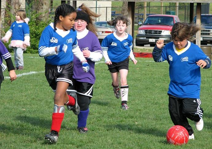 dziewczyny i piłka nożna