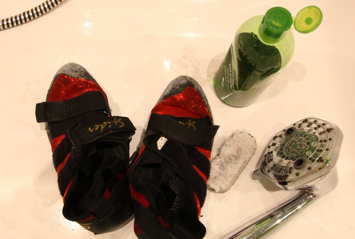 pranie butów wspinaczkowych