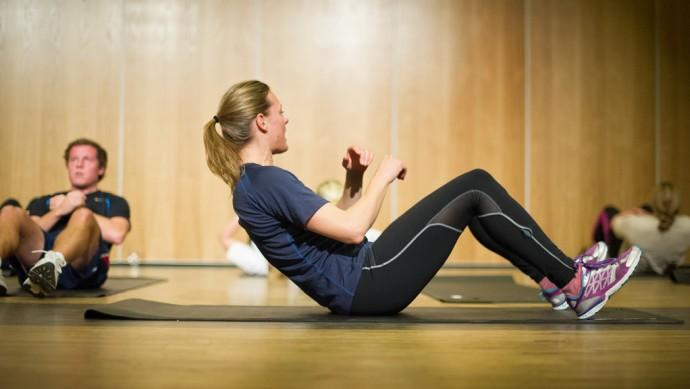 Czy ćwicząc deskę można schudnąć