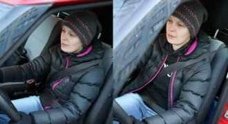 Zapinanie pasów w samochodzie