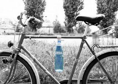 Jak przewieźć butelkę rowerem