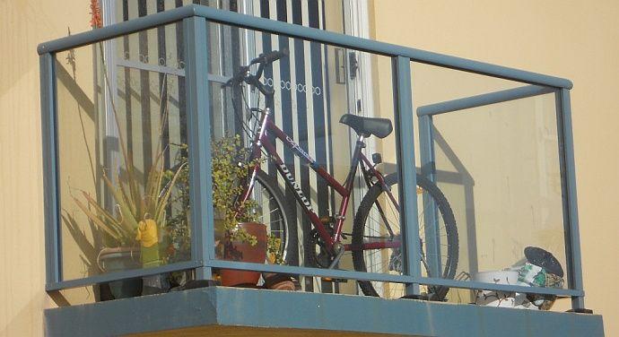 Rower na balkonie