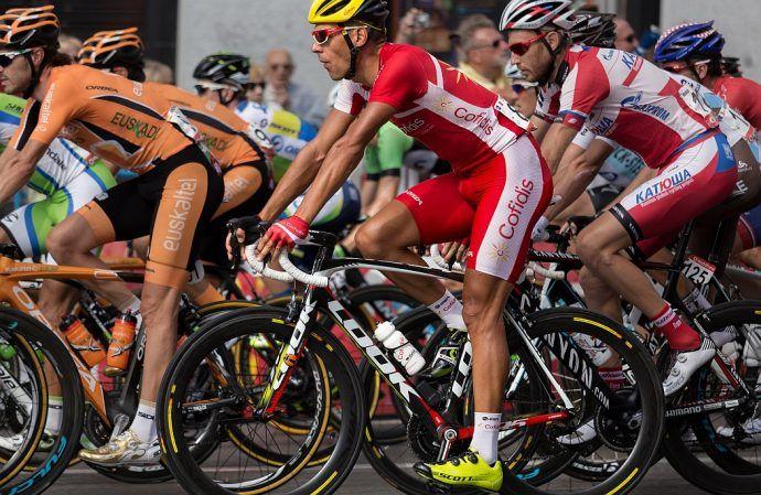 Dlaczego rowerzyści golą nogi