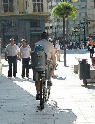 Czy można rowerem po chodniku?