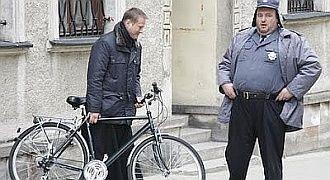 Jakim rowerem jeździ ojciec Mateusz