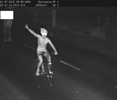 Na rowerze nago fotoradar