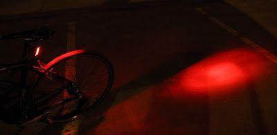 Jak świecą lampki rowerowe
