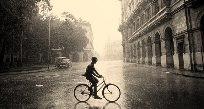 rower-w-deszczu
