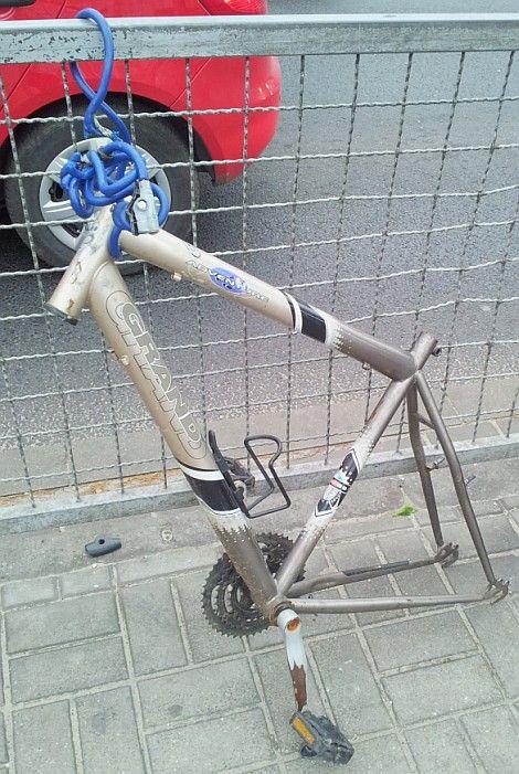rozebrany-rower-na-czesci