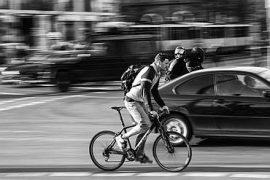 Półtora metra wyprzedzanie rowerzysty
