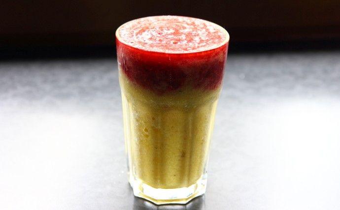 Koktajl owocowy ananas maliny truskawki