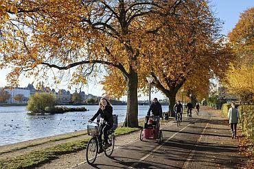 W co się ubrać jesienią na rower