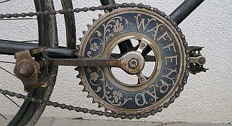 korba-ile-przelozen-w-rowerze-logo