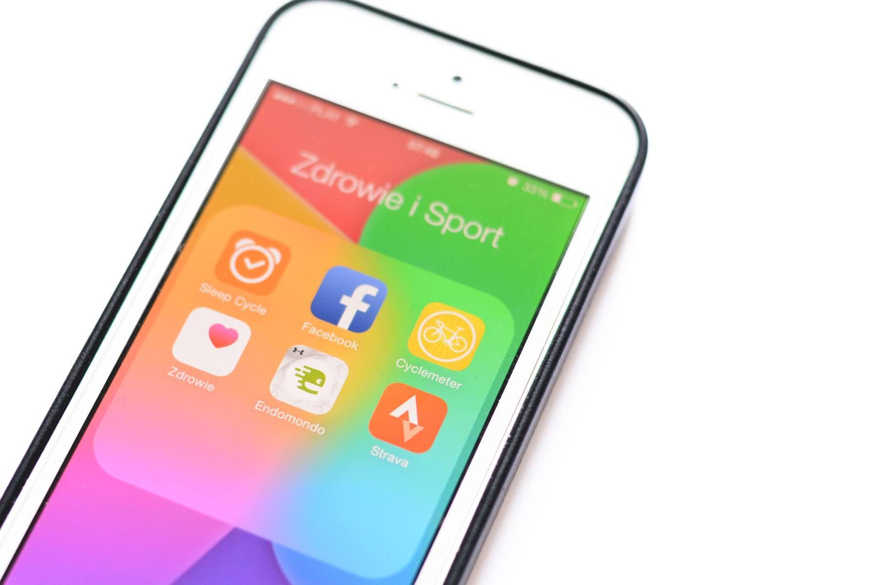 Strava Endomondo i Social Media