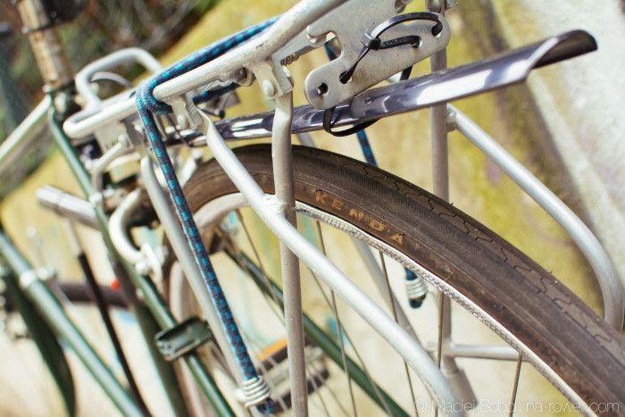 Jak dojeżdżać rowerem w zimie? Poradnik dla zimowych rowerzystów miejskich.