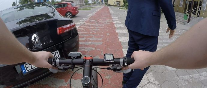 Parkowanie na drodze rowerowej