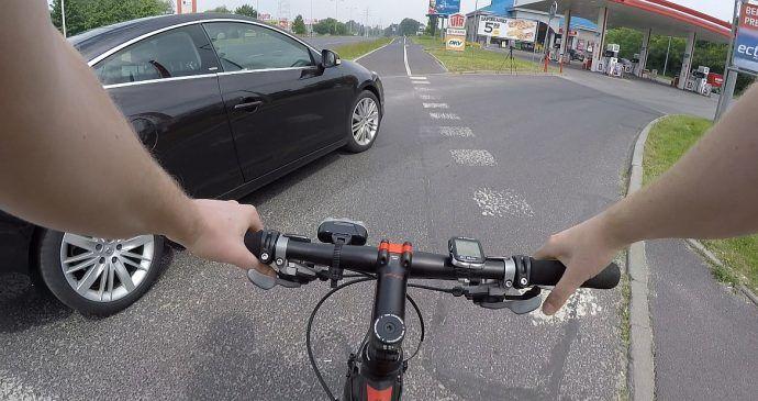 Nieustąpienie pierwszeństwa rowerzyście