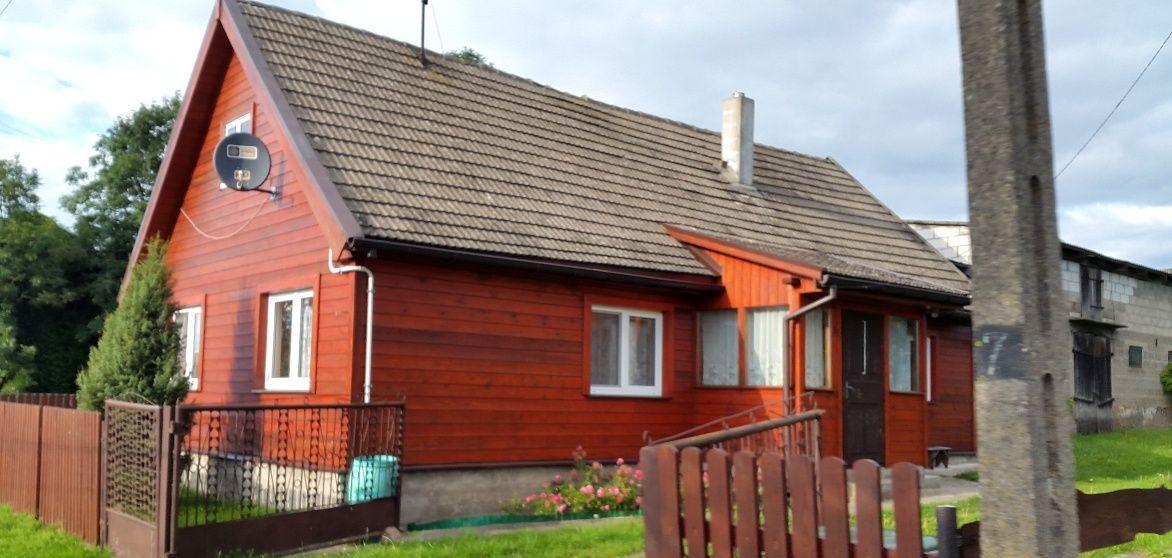 czerwony-dom-drewniany