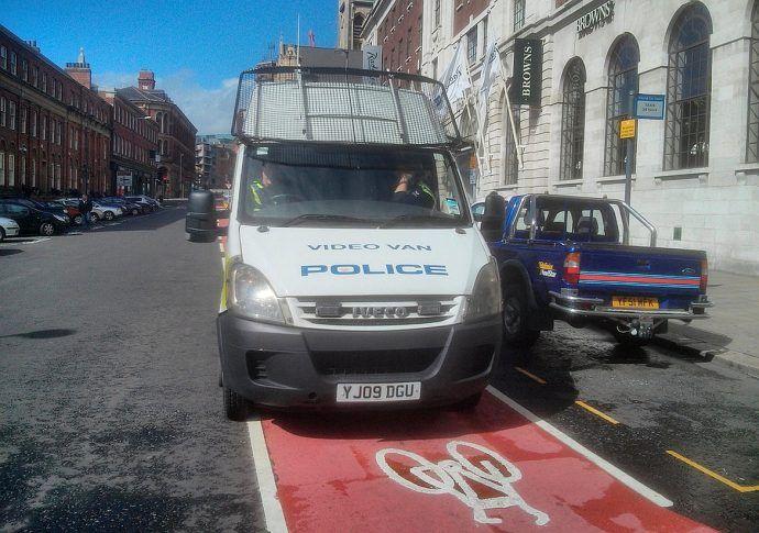 Policja na drodze rowerowej