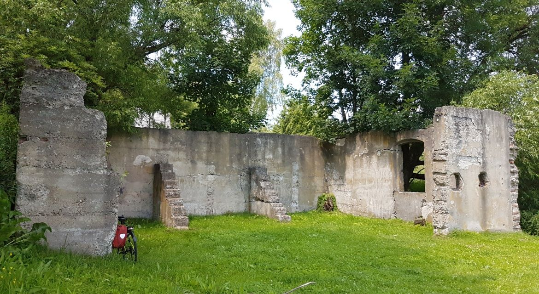Ruiny synagogi w Lutowiskach