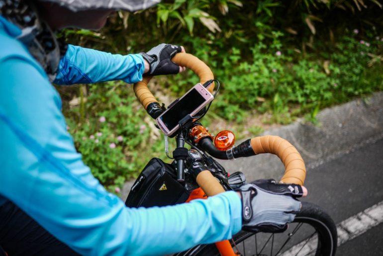 Licznik rowerowy czy telefon na kierownicy