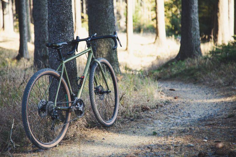 Lekkie przełożenia w rowerach gravelowych