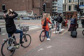 Amsterdam rowerem co zobaczyć
