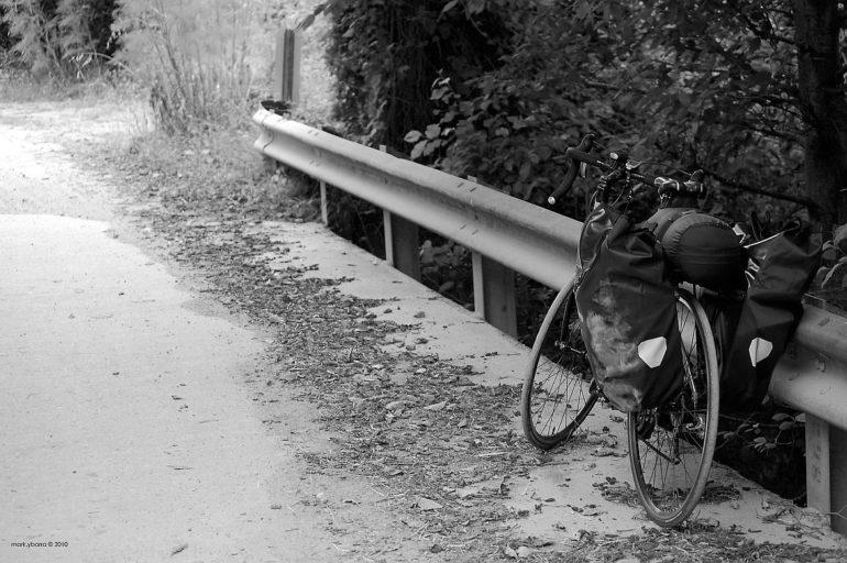 Rower z sakwami