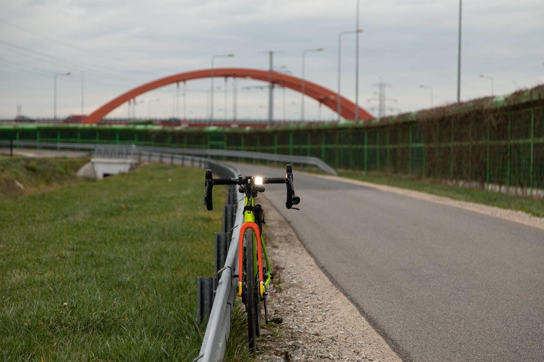 Lampka rowerowa migająca