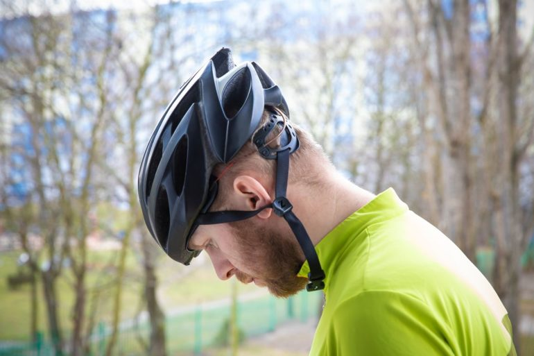 Dopasowanie kasku rowerowego