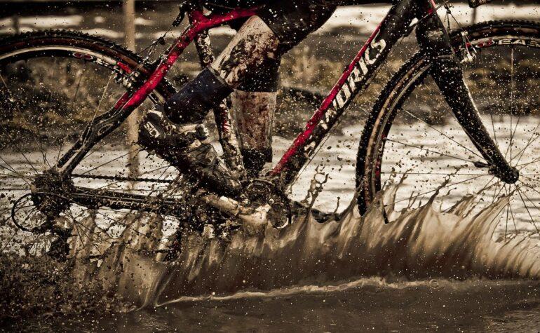 Czyszczenie i smarowanie łańcucha rowerowego